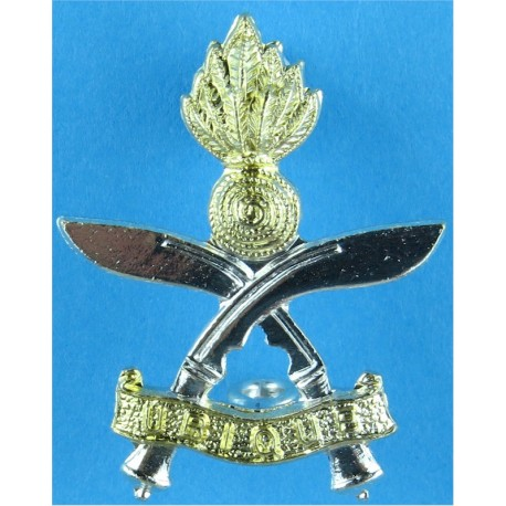 Queen's Gurkha Engineers Rare As A/A  Anodised Staybrite army cap badge