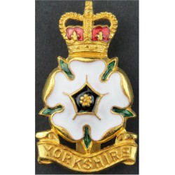 Yorkshire Volunteers (also Yorkshire Brigade) White Enamelled Rose with Queen Elizabeth's Crown. Gilt and enamel Officers' metal