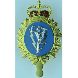 Canadian Armed Forces Communications & Electronics Branch with Queen Elizabeth's Crown. Gilt and enamel Officers' metal cap badg