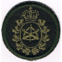 Canadian Armed Forces Land Ordnance Engineering Green Bush Hat Badge with Queen Elizabeth's Crown. Embroidered Other Ranks' cap