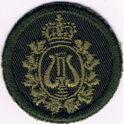 Canadian Armed Forces Band Branch Green Bush Hat Badge with Queen Elizabeth's Crown. Embroidered Other Ranks' cap badge