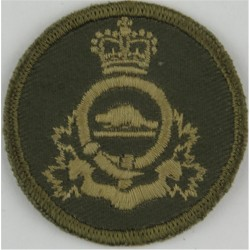 Royal Canadian Army Pay Corps Green Bush Hat Badge with Queen Elizabeth's Crown. Embroidered Other Ranks' cap badge