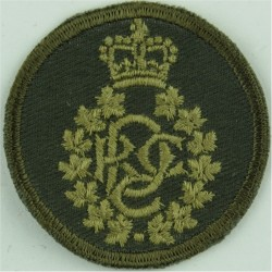Royal Canadian Dental Corps Green Bush Hat Badge with Queen Elizabeth's Crown. Embroidered Other Ranks' cap badge