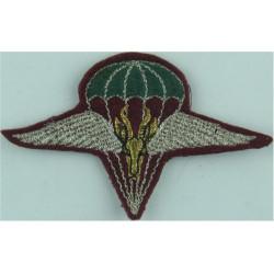 Royal Marines Queen's Crown. Brass Other Ranks' metal cap badge