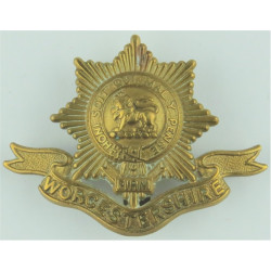 Worcestershire Regiment With Scroll Pre-1925  Brass Other Ranks' metal cap badge