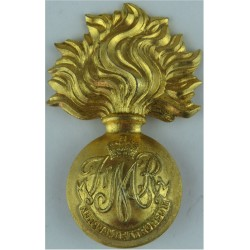 Les Fusiliers Mont Royal Canadian Army with Queen Elizabeth's Crown. Brass Other Ranks' metal cap badge
