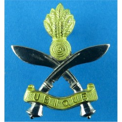 Queen's Gurkha Engineers   Gilt and Chrome Other Ranks' metal cap badge