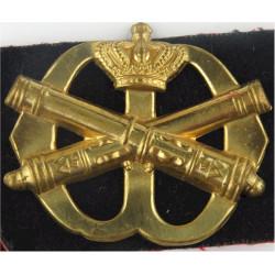 Royal Netherlands Army Field Artillery + Black/Red Felt Badge Backing  Brass Other Ranks' metal cap badge