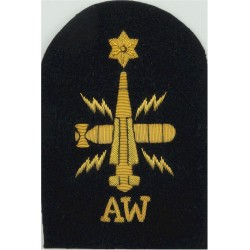 WRNS Weapons Analyst (Crossed Rockets) Trade: Blue On Navy Embroidered Naval Branch, rank or miscellaneous insignia