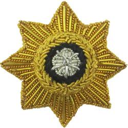 Border Regiment - 15 Battle Honours FR - Red Felt Centre  White Metal Other Ranks' collar badge