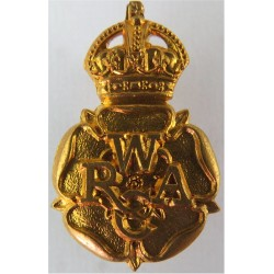 Women's Royal Army Corps 1949-1952 with King's Crown. Brass Other Ranks' collar badge