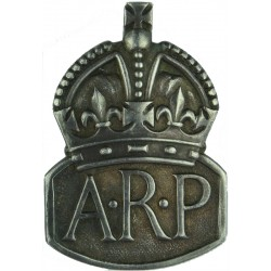 ARP (Air Raid Precautions) Buttonhole Badge (Male) Hall-Marked 1939 'D' with King's Crown. Silver Lapel or sweet-heart badge