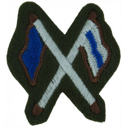 Crossed Flags (Signaller - Royal Irish Rangers) Green On Black Embroidered Army cloth trade badge