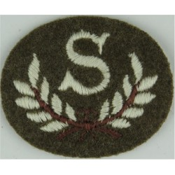 LG In Wreath (Light Gun - Royal Green Jackets) Black/Gold On Green Bullion wire-embroidered Army cloth trade badge
