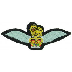 Army Air Corps Pilots Wings Colour with Queen Elizabeth's Crown. Embroidered Army cloth trade badge