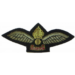 Air Observation Post Pilot: Royal Artillery Officers Mess Kit Size  Bullion wire-embroidered Army cloth trade badge