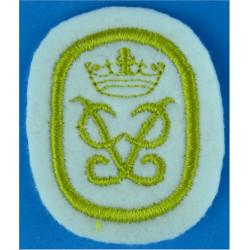 Duke Of Edinburgh's Award Badge Gold Level: On White  Embroidered Army cloth trade badge