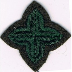 4-Pointed Green Star On Khaki   Embroidered Army cloth trade badge