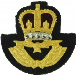 Royal Air Force Officers' Beret Badge With Black Backing with Queen Elizabeth's Crown. Gilt and enamel Air Force Badge