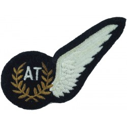 RAF Brevet - AT (Airborne Technician) Half-Wing Padded  Embroidered Air Force Branch Badge