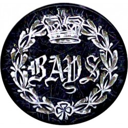 2nd Dragoon Guards (Queen's Bays) - Military Hunt 20mm - Engraved with Queen Victoria's Crown. Blackened Military uniform button