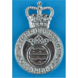 Cambridgeshire Constabulary - Crest Centre Cap Badge Post-1965 with Queen Elizabeth's Crown. Chrome-plated Police or Prisons hat