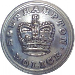 Southampton County Borough Police 17.5mm - 1952-1967 with Queen Elizabeth's Crown. Chrome-plated Police or Prisons uniform butto