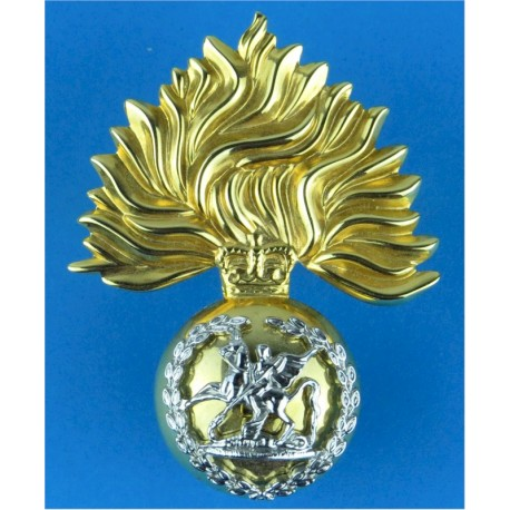 Royal Regiment Of Fusiliers Improved Metal Issue with Queen Elizabeth's Crown. Bi-metallic Other Ranks' metal cap badge