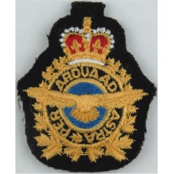 Royal Canadian Air Force Cap Badge Colour Beret Badge with Queen Elizabeth's Crown. Embroidered Foreign Air Force insignia
