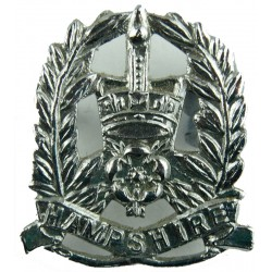 Hampshire Constabulary Collar Badge with Queen Elizabeth's Crown. Chrome-plated UK Police or Prison insignia