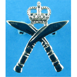 Royal Gurkha Rifles: For Mess Dress Very Rare with Queen Elizabeth's Crown. Silver-plated Officers' collar badge