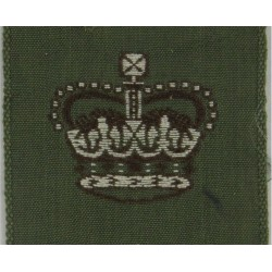 Australian Army Major's Rank Crown Jungle Green Square with Queen Elizabeth's Crown. Woven Officer rank badge