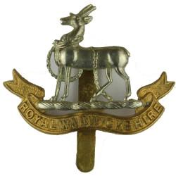 Royal Warwickshire Regiment   Bi-metallic Other Ranks' metal cap badge