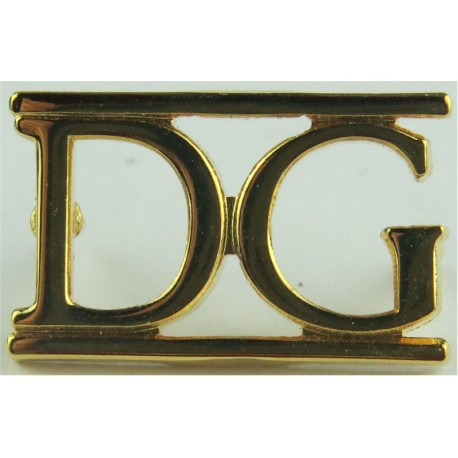 DG (Band Of The Dragoon Guards)   Gilt Army metal shoulder title