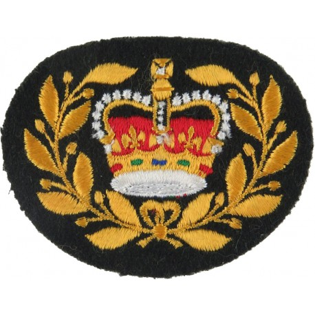 Master Warrant Officer (Crown In Wreath) - Canada Colour On Dark Green with Queen Elizabeth's Crown. Embroidered Warrant Officer