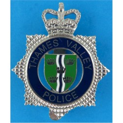 Thames Valley Police - Senior Officers' Shield Centre with Queen Elizabeth's Crown. Chrome and enamelled Police or Prisons hat b