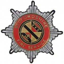 Bedfordshire Fire Service - XVI Pattern Cap Badge 1948-1952  Chrome, gilt and enamel Fire and Rescue Service insignia