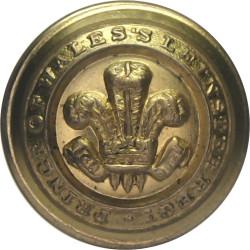 Prince Of Wales's Leinster Regiment (Royal Canadians 19mm - 1881-1922  Gilt Military uniform button