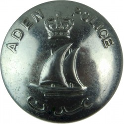 Aden Police 22.5mm - 1952-1967 with Queen Elizabeth's Crown. Chrome-plated Police or Prisons uniform button