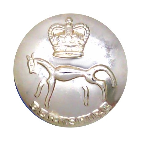 Berkshire Yeomanry Battery 299th Field Regiment RA 19.5mm Gold Pre-1961 with Queen Elizabeth's Crown. Anodised Staybrite militar