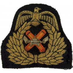 Kuwaiti Army Officer   Bullion wire-embroidered Officers' cap badge