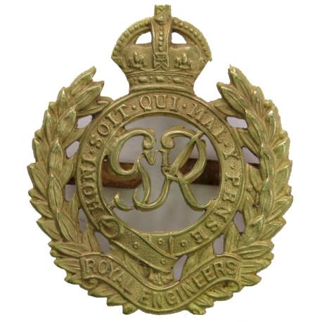 Royal Engineers GviR - 1936-1949 with King's Crown. Gilt Officers' metal cap badge