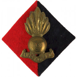 Royal Artillery - Grenade On Red/Blue Cloth Diamond For FS Cap / Beret  Brass Other Ranks' metal cap badge