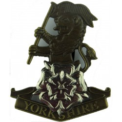 Yorkshire Regiment (14th/15th, 19th & 33rd/76th) Beret Type - Bronze  Bronze and White Metal Other Ranks' metal cap badge