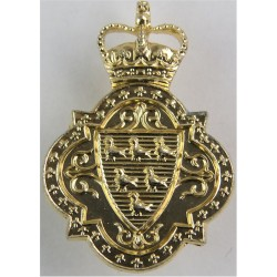 200 (Sussex Yeomanry) Bty. 100 Regt. Royal Artillery  with Queen Elizabeth's Crown. Anodised Staybrite collar badge