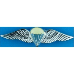 Republic Of South Africa Advanced Parachute Wings   Chrome and enamelled Parachute jump wings or badge