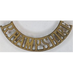 R Hampshire (Royal Hampshire Regiment) Small - Officers'  Brass Army metal shoulder title
