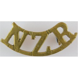 NZR (New Zealand Reinforcements) WW1 - Curved  Brass Army metal shoulder title