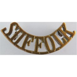 Suffolk (Suffolk Regiment) - 52.5mm Wide Pre-1959  Brass Army metal shoulder title