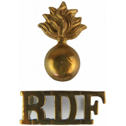 Grenade / RDF (Royal Dublin Fusiliers) 1903-1922 - 2-Part  Brass Army metal shoulder title